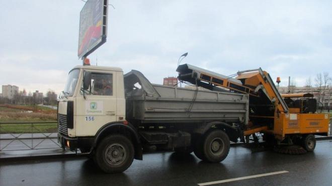 За неделю с улиц Петербурга вывезли 3,2 тысячи тонн мусора и смета