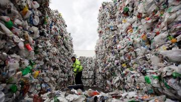 В Минприроды рассматривают возможность изменения способов оплаты вывоза мусора
