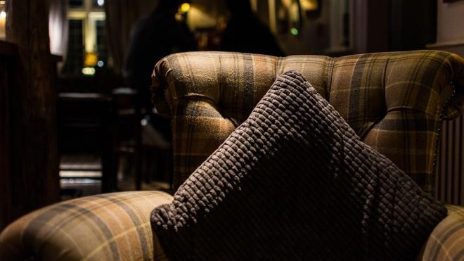 В Тихвине после ссоры мужчина задушил подушкой 74-летнюю пенсионерку