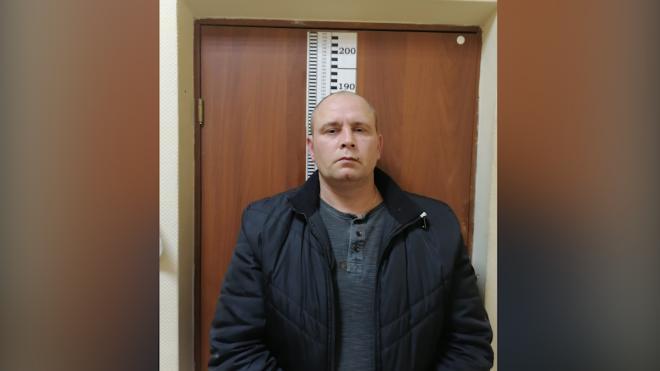 Полицейские задержали подозреваемого в ограблении торгового павильона на улице Свободы