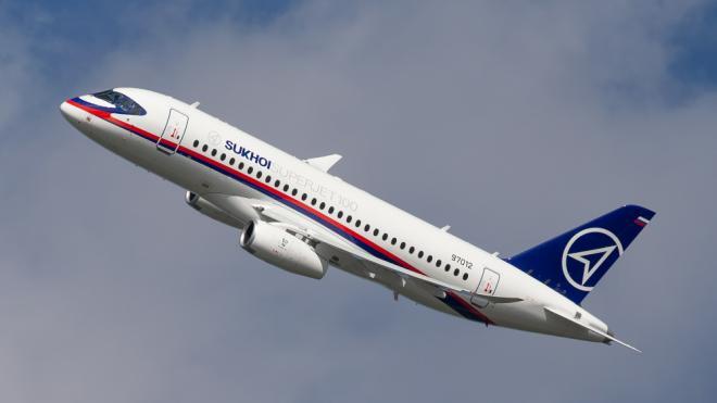 """Авиакомпания """"Россия"""" решила взять в лизинг еще 1 SSJ-100"""