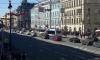 На Невском праздничная конструкция раздавила троллейбус
