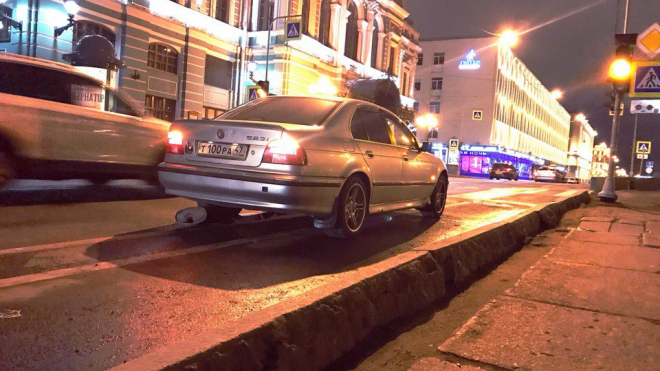 """На набережной Фонтанки водители жалуются на """"неровности"""""""