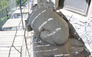 Скульптуры медведей в Выборге уехали на реставрацию