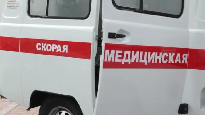 В Петербурге неизвестные избили и бросили на проезжей части водителя минивэна