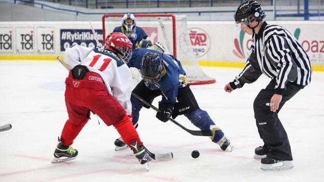 Из-за хоккейных матчей в Петербурге ограничат движение