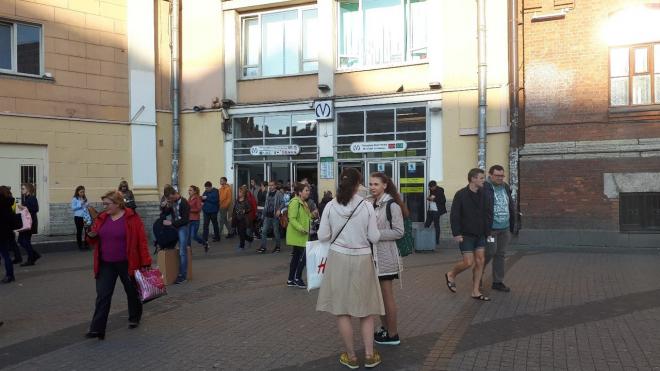 """Станцию метро """"Площадь Восстания"""" закрывали по техническим причинам на пару минут"""