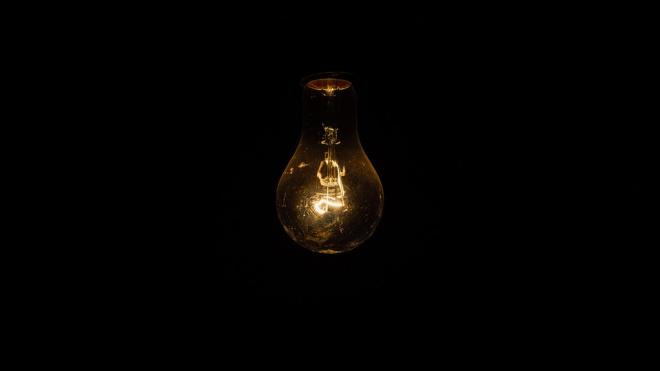 Очевидцы: на Шуваловском отключили электричество