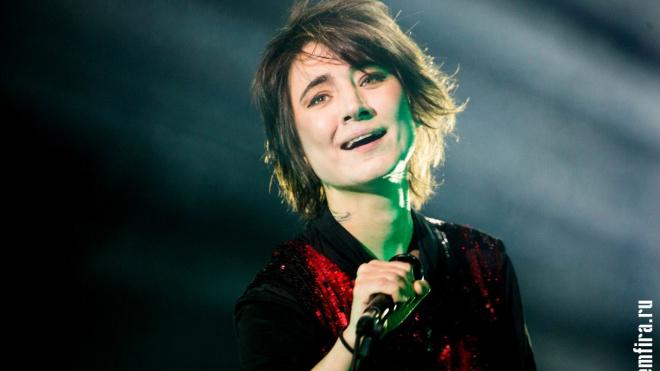 Московские приставыразыскивают певицу Земфиру из-за долгов