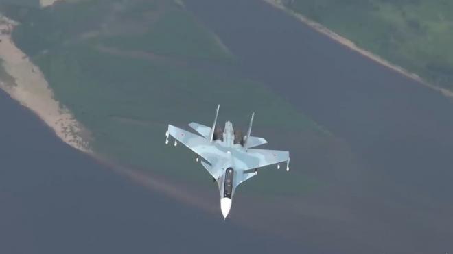 Минобороны РФ задействует более 50 боевых самолетов в учении над Черным морем