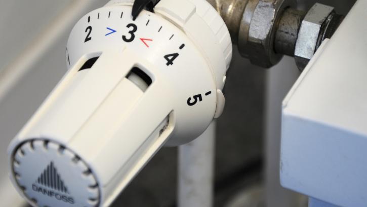 В Смольном озвучили сроки отключения отопления в квартирах петербуржцев