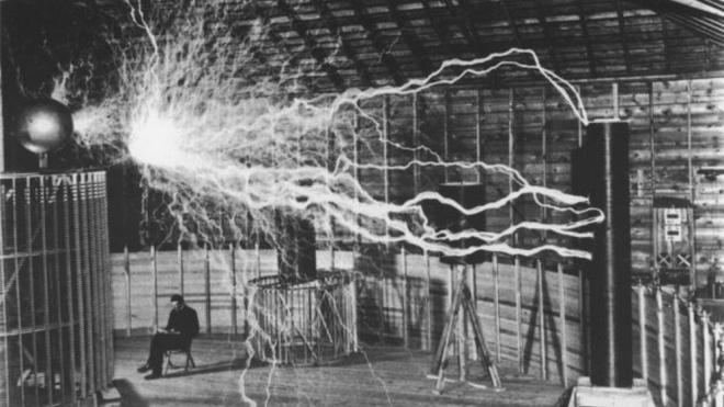 """Выставка """"Никола Тесла - человек, который осветил мир"""""""