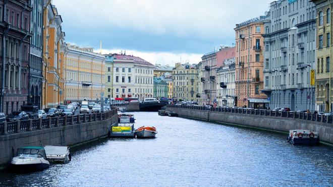 Несмотря на угрозу наводнения, дамбу в Петербурге решили не закрывать