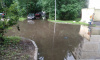 Очевидцы: во дворе на улице Бабушкина образовался потоп