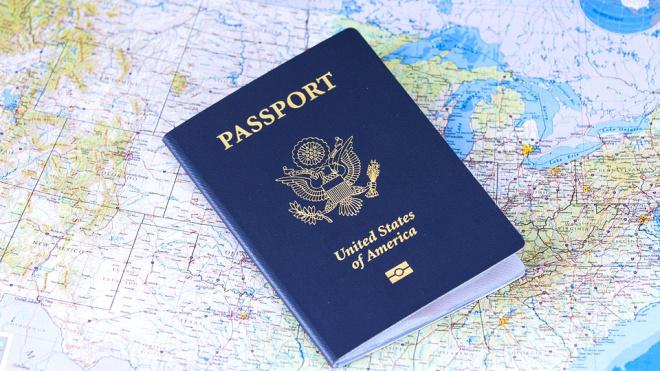 Иностранцы оформили около 100 тысяч электронных виз в Петербург