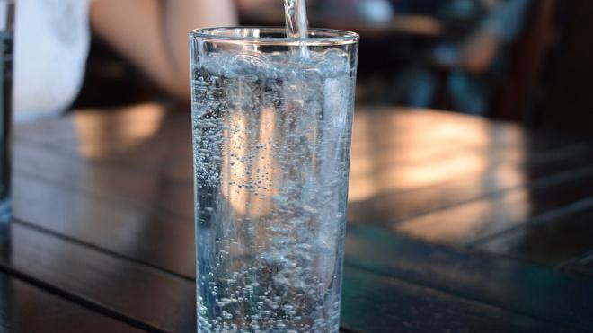 В Петербурге в 2019 году могут повысить на 7% тарифы на воду