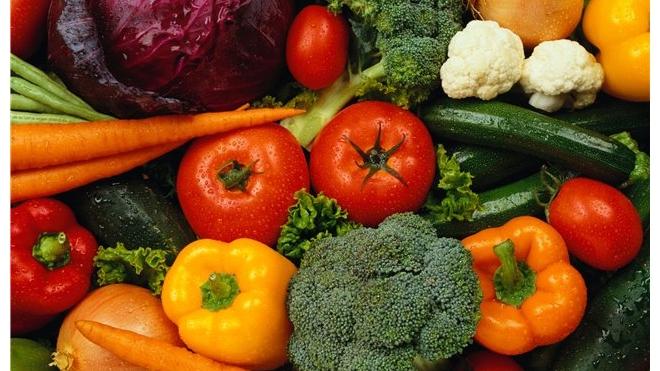 Дмитрий Медведев разрешил ввозить европейские овощи