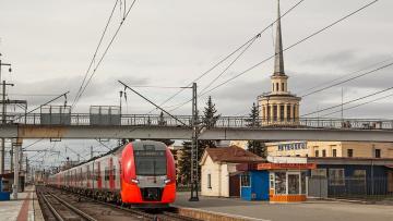 Шесть категорий льготников смогут бесплатно пользоваться пригородными поездами