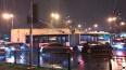 """Около метро """"Лесная"""" на автобус с пассажирами упали ..."""
