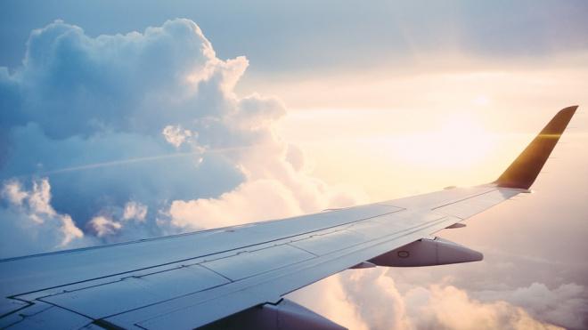 Самолет из Красноярска прибыл в Петербург на три часа позже из-за плохой видимости