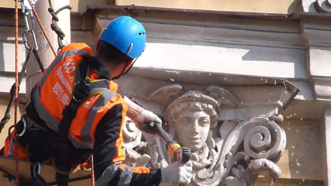 За неделю в Петербурге отмыли треть фасадов зданий