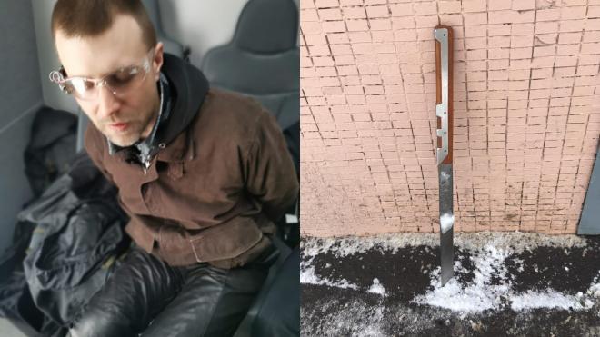 Испугавший петербуржцев неадекват с мачете рассказал полиции о плантации конопли дома