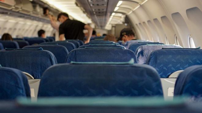 Пассажирка авиарейса из Челябинска в Петербург спасла мужчину