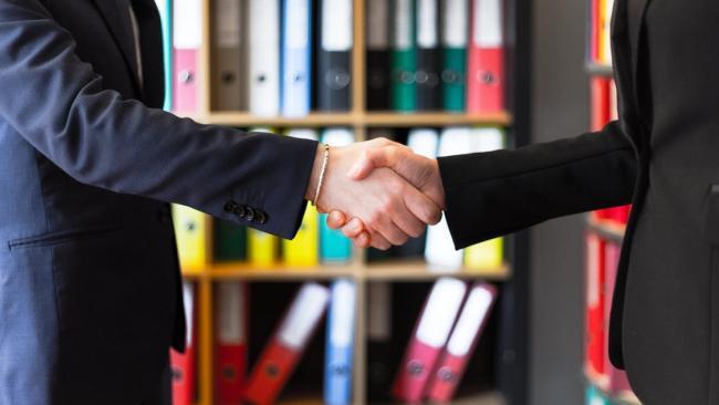 Смольный подписал соглашение о сотрудничестве с тремя компаниями