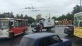 На проспекте Науки маршрутка проскочила на красный ...