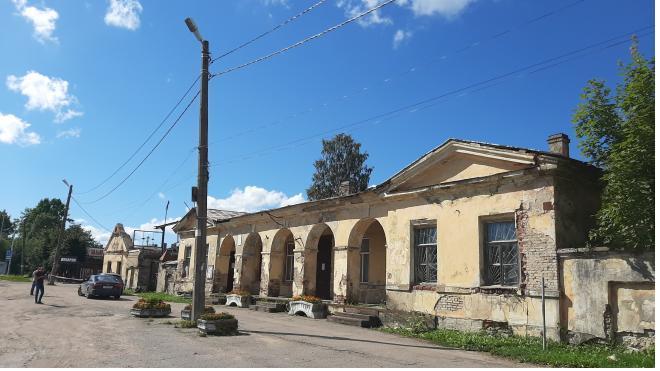 В Ленобласти реставрируют 3 почтовые станции XIX века