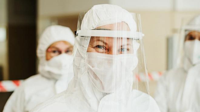 В петербургских стационарах свободно 23 % коек для больных коронавирусом