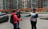 Волонтеры раздали бесплатные маски жителям Всеволожского района