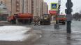 На проспекте Ветеранов ведутся ремонтные работы. Движени...