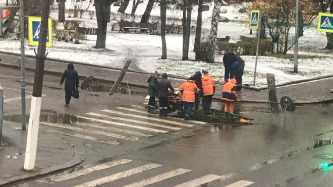 """ГУП """"Ленводоканал"""" чинит асфальт на месте завершенных ремонтных работ"""