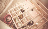 В Колпинском районе разыскивается похититель ювелирных украшений