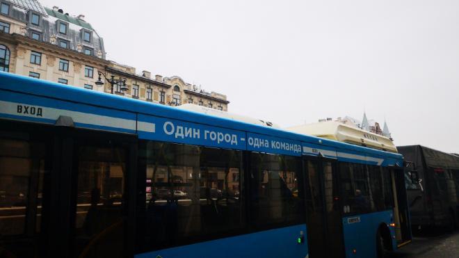 В Петербурге запустили 23 дополнительных автобуса на востребованные маршруты