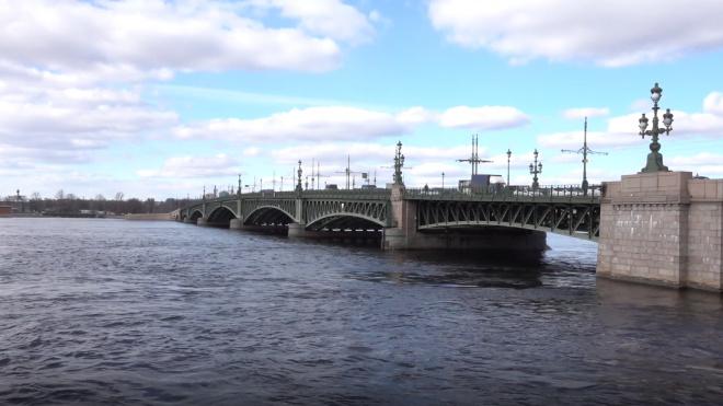 В ночь на 9 мая мосты в Петербурге разведут по обычному графику