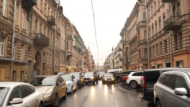 Стала известна стоимость парковочного места на улице Рубинштейна