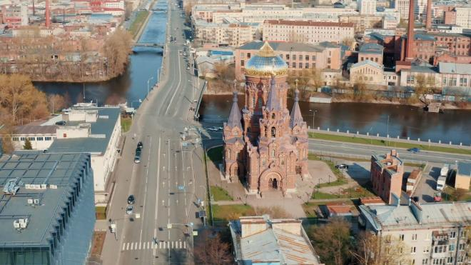 Из-за пандемии коронавируса из Петербурга уехало около 1 млн человек