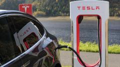 Илон Маск признал низкое качество электромобилей Tesla Model 3