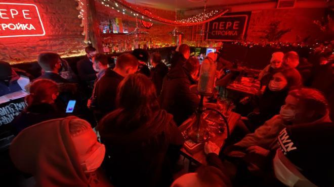 """В ходе ночной """"охоты"""" чиновники и Роспотребнадзор нашли девять баров-нарушителей"""