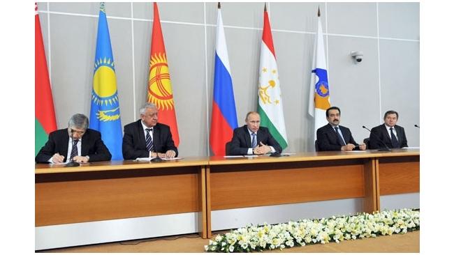 Госдума отменила НДС на экспорт нефти в Таможенный союз