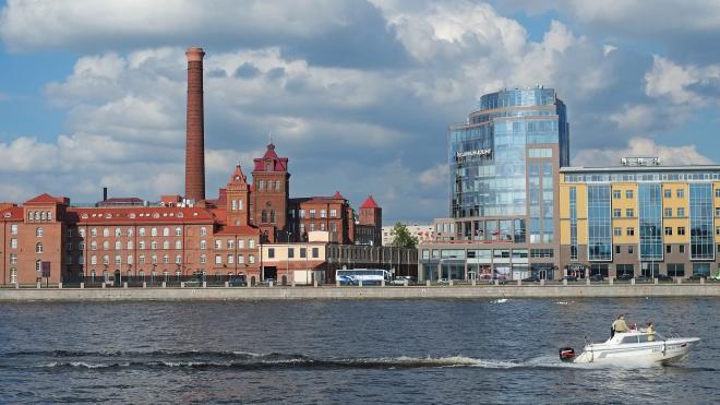Приставы оставили яхт-клуб профсоюзов без выхода на сушу