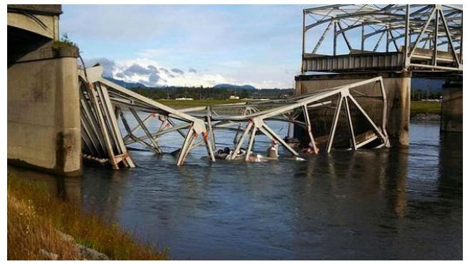 В Ленобласти частично обрушился мост