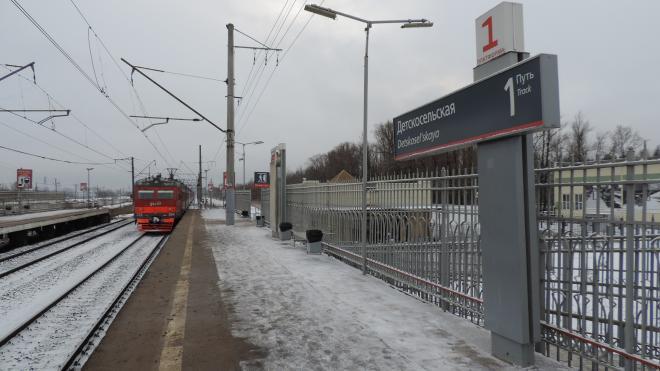 На железнодорожном переходе станции Детскосельская электричка насмерть сбила женщину