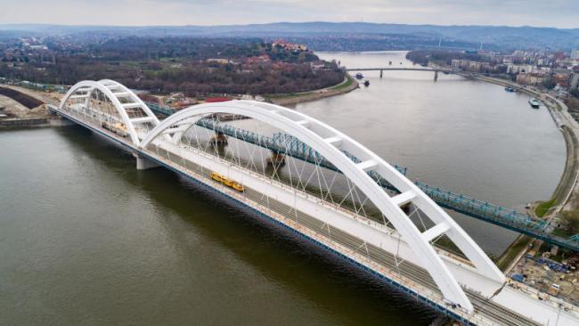 """ОАО """"РЖД"""" завершило строительство двух больших железнодорожных объектов в Сербии"""