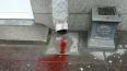 На Восстания тротуары перекрасились в красный цвет