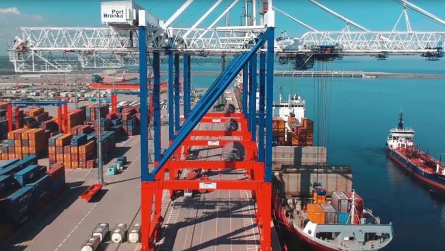 """Судебные приставы описали порт """"Бронка"""", принадлежащий Муровым и Негодовым"""