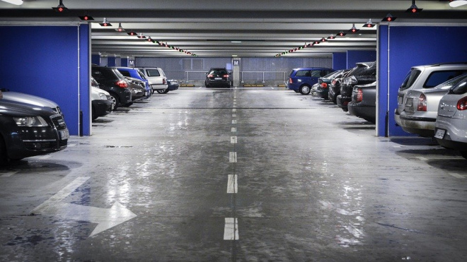 В Петербурге начали действовать штрафы за неоплаченную парковку