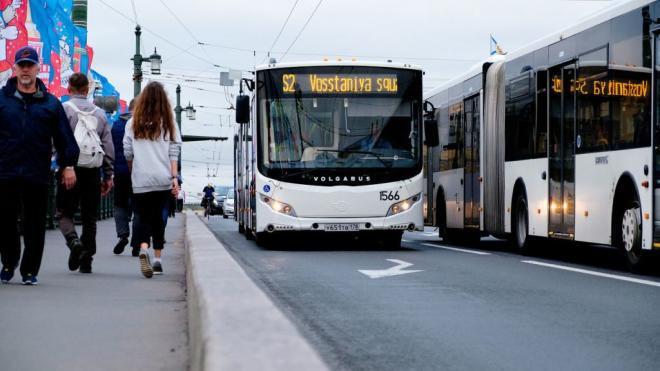 В Петербурге автобусы-шаттлы перевезли 165 тысяч футбольных болельщиков